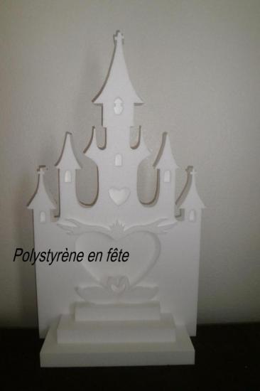 décor château et pyramide,cygnes - 60,00 E
