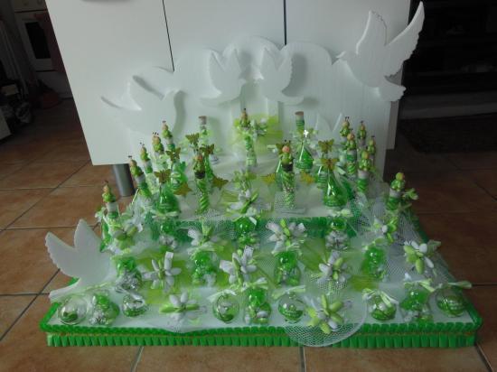 présentoir pyramide fontaine et colombes