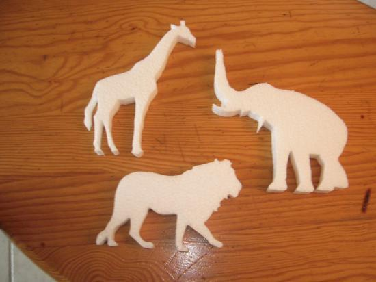 Girafe,Eléphant,Lion - 6,00 E les 3