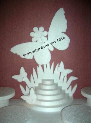 Décor pyramide et papillons - 40,00 E