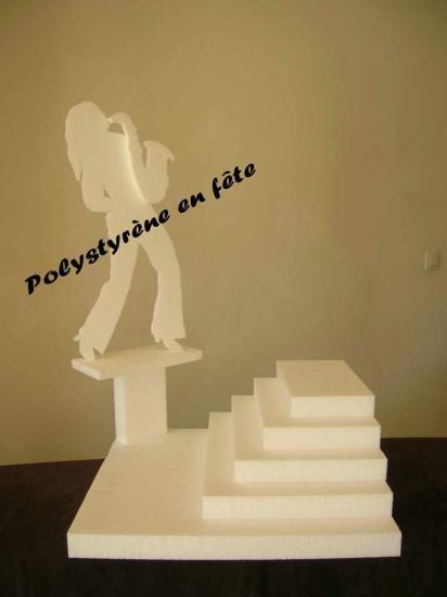 Présentoir saxophone avec pyramide -  65,00 E