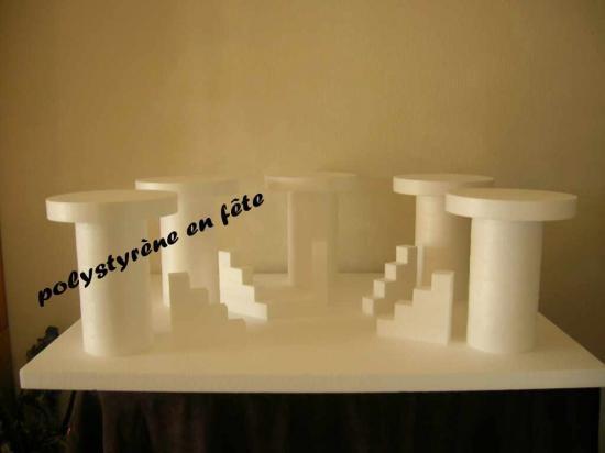 Grand présentoir 5 plateaux ronds + 5 Escaliers - 140,00 E