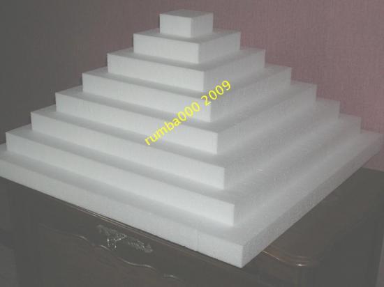 Présentoir grande pyramide   80,00 E