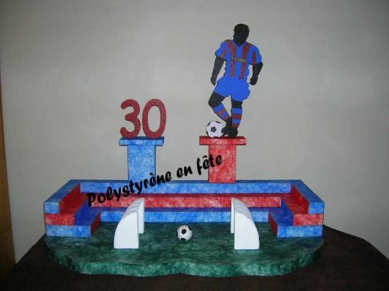Présentoir stade de foot décoré ,avec chiffre et joueur - 110,00 E