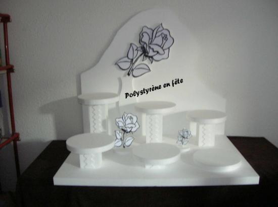 Présentoir  rose - 100,00 E