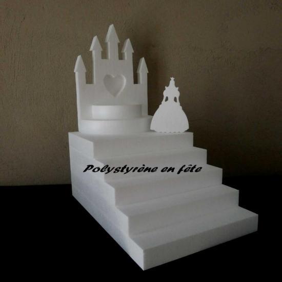 présentoir escalier  petit château et princesse  40,00 E