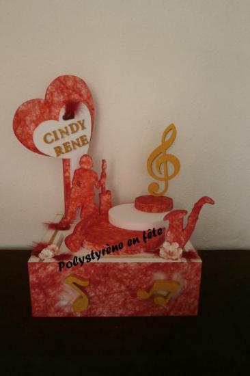 Urne Musique décorée - 140,00 E